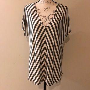 Jones New York olive and white stripe flowy top XL